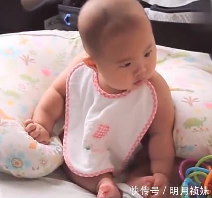 戏精 宝宝哭没人理,接下来的画面笑喷了,网友:戏精上线