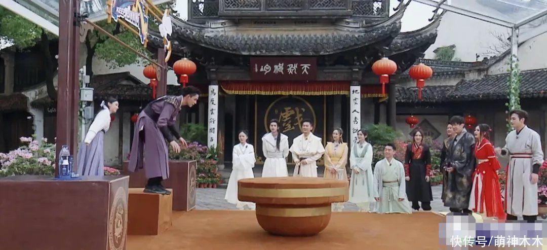 《奔跑吧》全員劃水敷衍!蔡徐坤和鄭愷同一個動作,評價大不相同