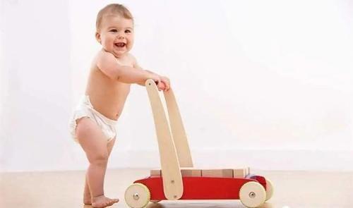 寶寶幾個月會站?不會早於這個月齡