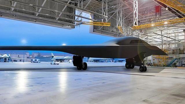 美媒:中國強悍防空實力會讓B-2也吃不消,得抓緊優先發展B-21!