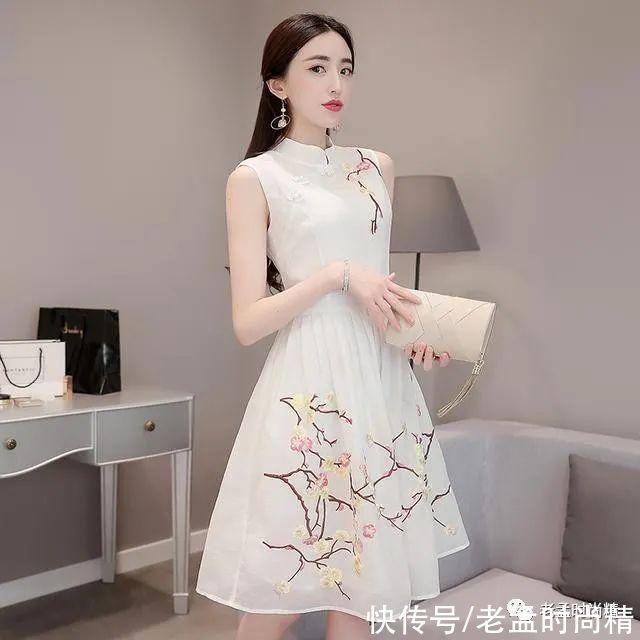 傳統連衣裙已經過時瞭,這樣的改良旗袍連衣裙是最流行的