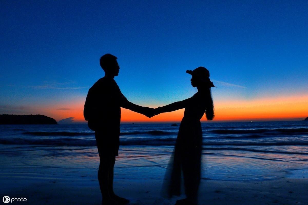心理測試:哪一對情侶背景圖最甜蜜?測試你最近會偶遇正桃花嗎!