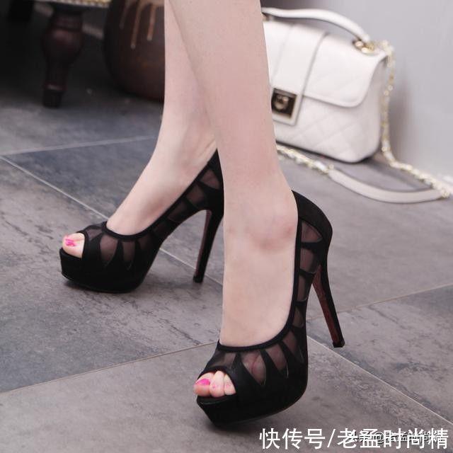 搭配|美脚搭配鱼嘴高跟鞋,彰显青春活力,是美女搭配必备品