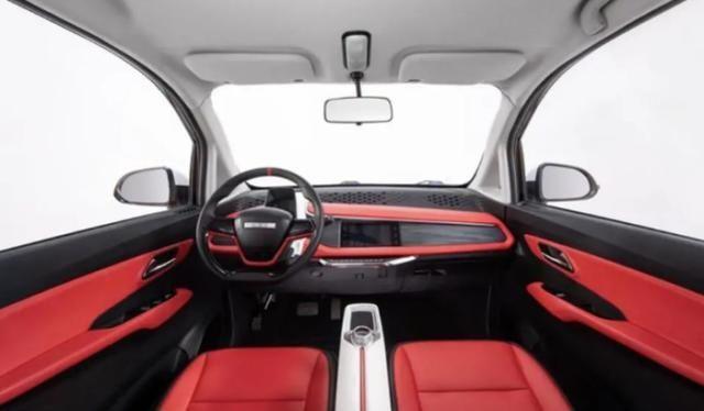 """最低配车型 这才是""""价格屠夫"""",比五菱宏光MINI拉风,仅售2.68万,销量破万"""