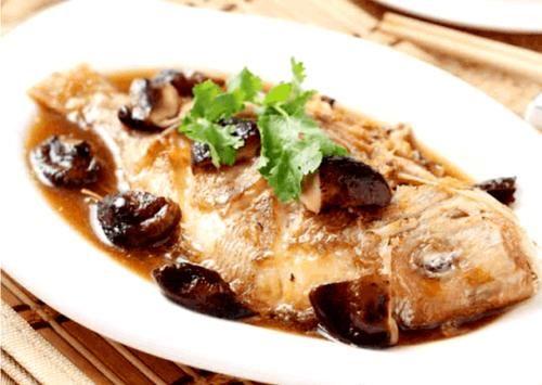 魚的三種烹飪方法:鍋熠、紅悶、紅燒如何烹飪?菜品艷麗滑嫩鮮美,寶媽、家庭主婦趕快試試吧