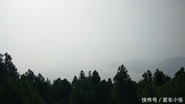 山東一森林公園,佔地達上萬畝,擁有山峰72座,主峰被譽為小岱峰