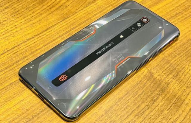 ufs3.1 闪电修:红魔6游戏手机评测:性能、散热、续航、快充全都有。