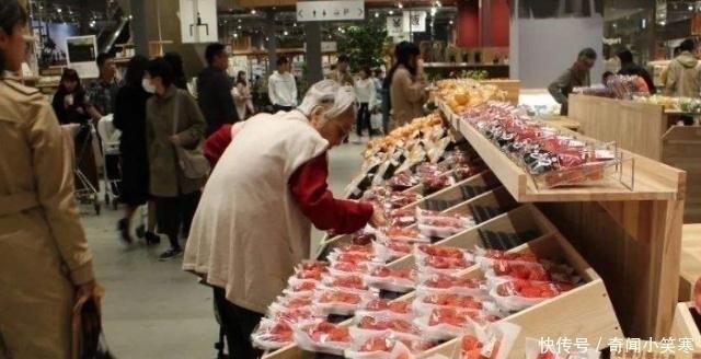 欧美游客对亚洲三国菜市场的印象,日本干净、印度脏乱,给中国只评价一个字