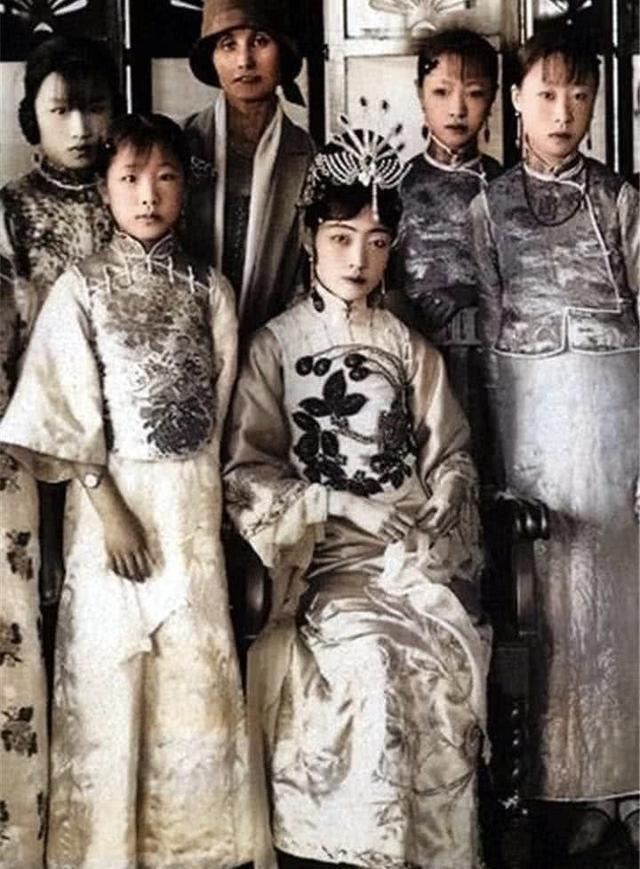 清朝最后两位固伦公主,丈夫万里挑一,却英年早逝,两人誓不改嫁