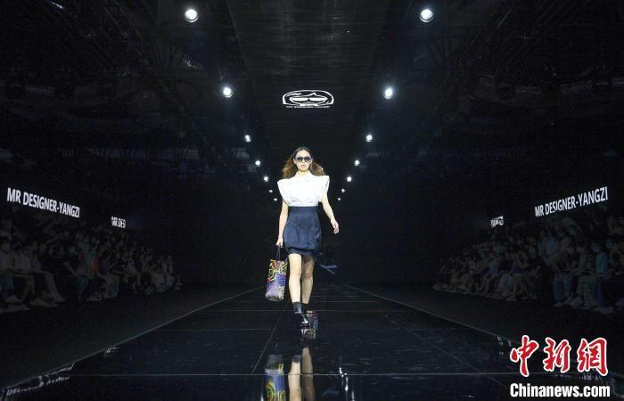 中國義烏時尚周舉行 秀出時尚魅力青春活力