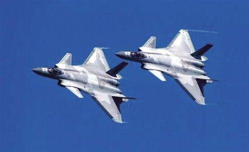 殲-20列裝多個空軍英雄部隊