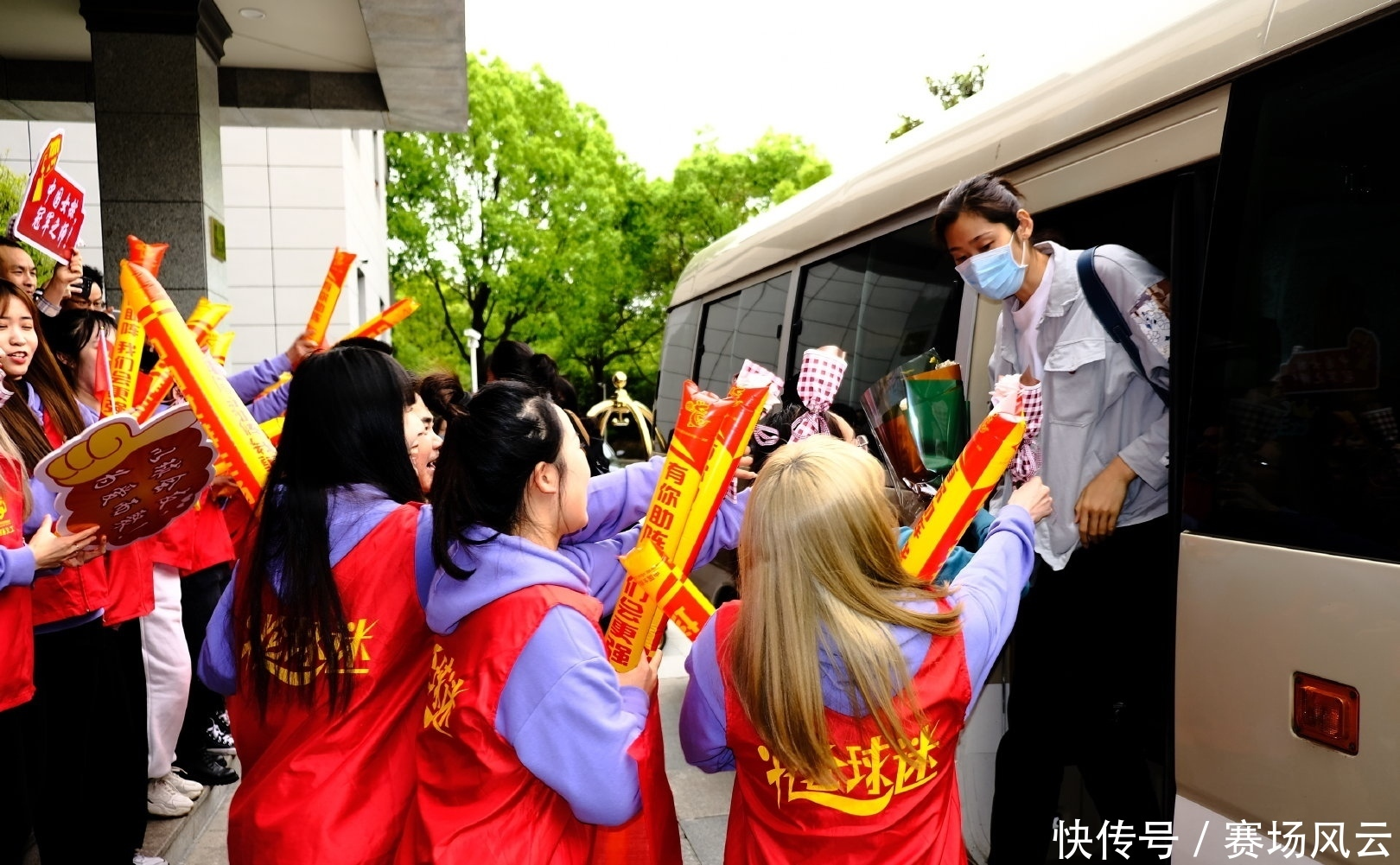 中國女排正式開啟北侖集訓!隻有8天的訓練時間,國傢隊有新面孔