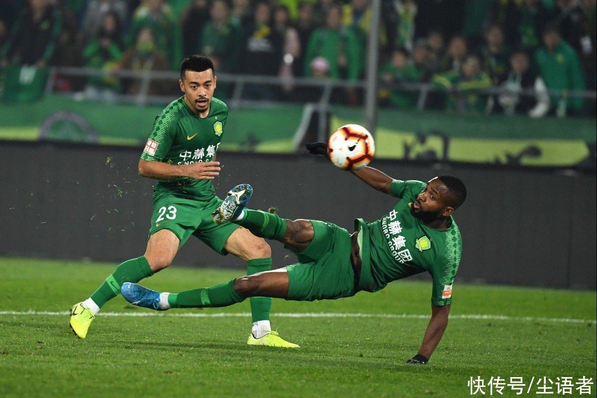 中國足協又一拍腦袋決定出爐,再成世界足壇笑話,球迷倒豎大拇指
