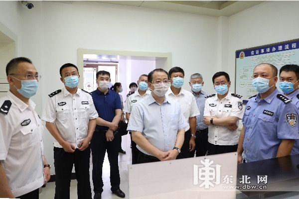 李显刚到省公安厅调研打击重点领域经济犯罪工作