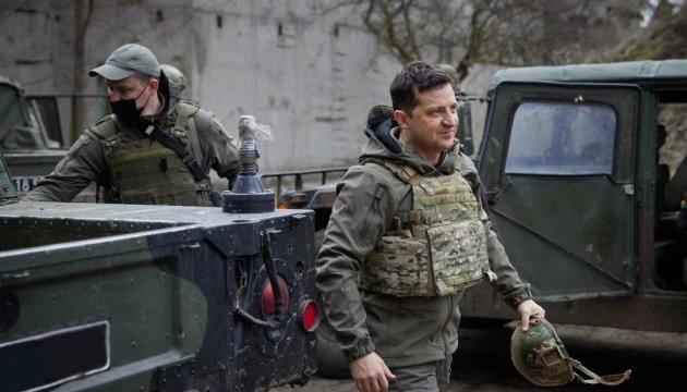 11萬俄軍陳兵邊境,烏克蘭緊急向北約求援,不料士兵說出大實話