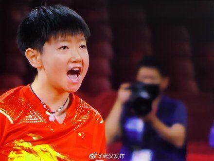 孙颖莎击败伊藤美诚晋级决赛,中国提前包揽乒乓球女单金银牌