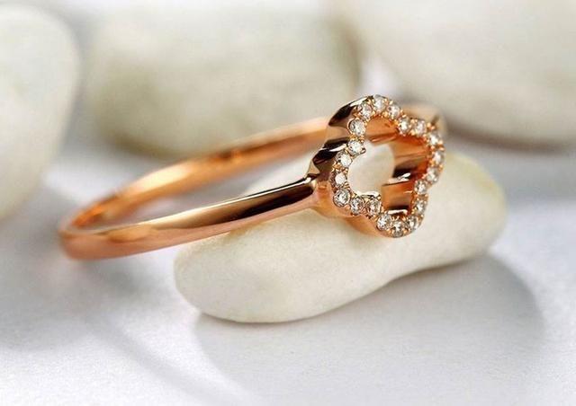 塔罗占卜:你第一眼最喜欢哪个戒指?测你下半辈子的财神爷是谁?