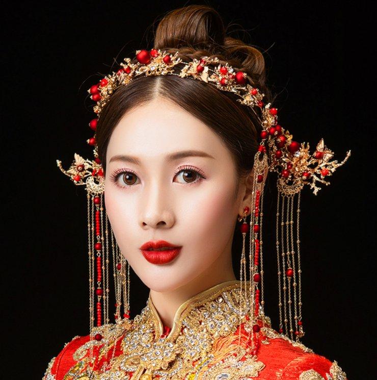 塔罗占卜:出嫁时你想佩戴哪个凤冠?测你前世是宠妃,皇后还是公主?