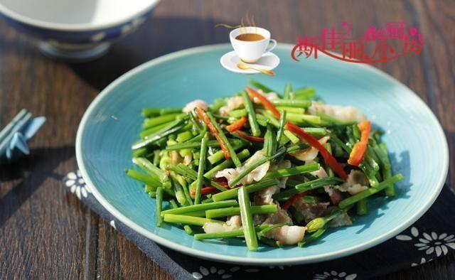 最通便的菜不是芹菜,而是它,隔天吃一盘清肠排宿便,大肚子平了