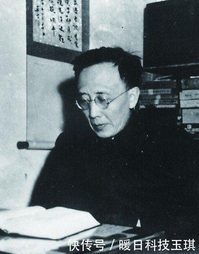 """郭沫若这首""""摇滚诗""""创造了中国现代文学史上第一个""""超人""""形象"""