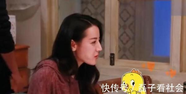 辣条 迪丽热巴拍戏偷吃辣条,导演:你不要把道具吃完了