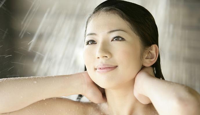 """多久洗一次澡对身体最好?多数人都在""""瞎""""洗,你做对了吗"""