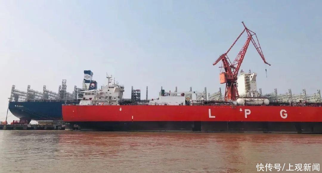 全球首艘!86000立方米超大型雙燃料液化石油氣船在江南造船命名
