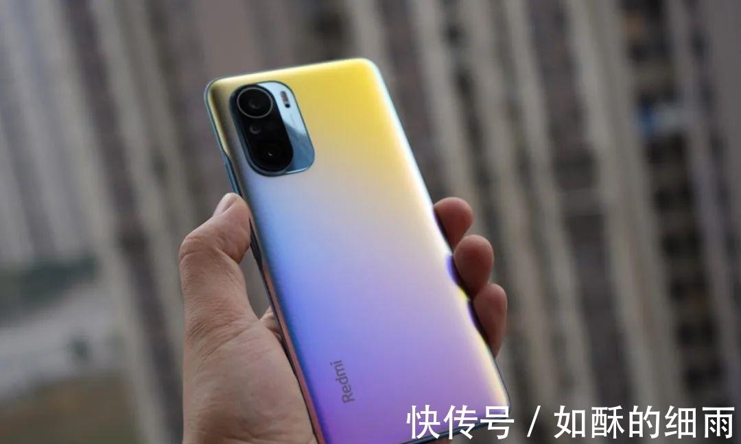 iqoo|2K价位最值得入手的两款手机,学习还是娱乐两不误