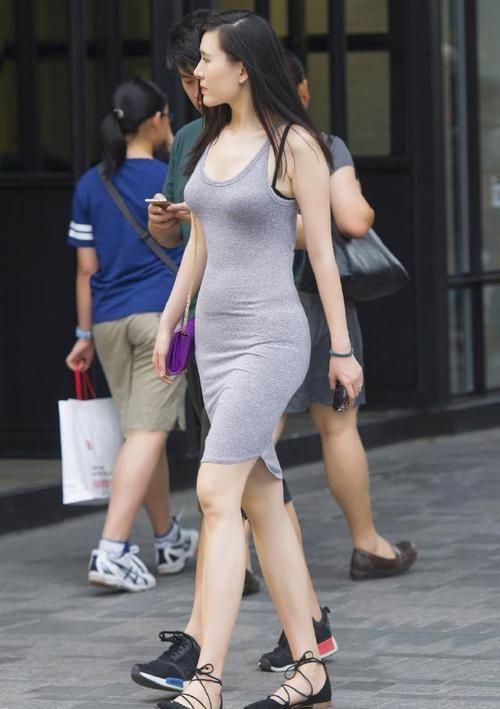 好看的修身裙,穿出精簡的美,自信優雅又顯成熟