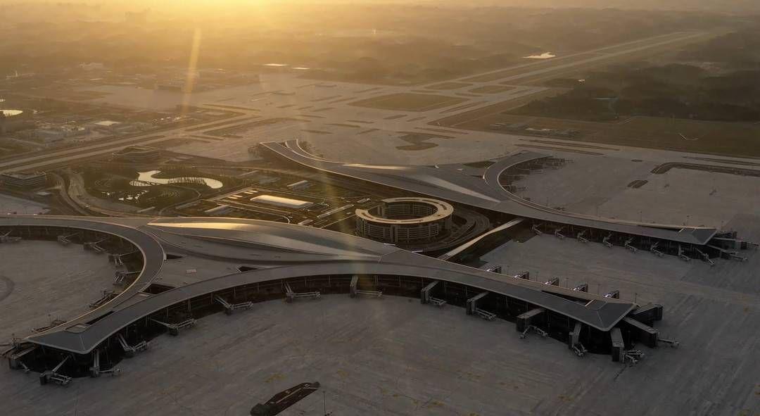 成都進入雙機場時代 成都未來科技城如何乘勢而上?
