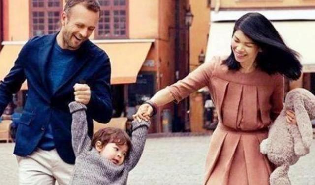 """中国""""最丑""""超模吕燕,逆袭嫁入法国豪门,7岁混血儿子颜值很高"""