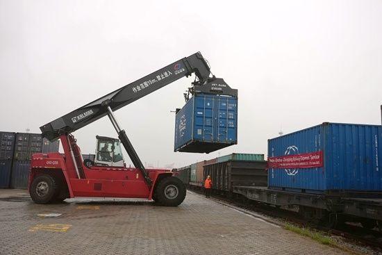 一季度西部陸海新通道班列運輸突破66000標準箱