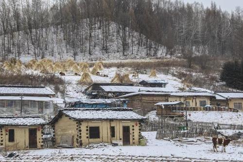 """白山抚松藏着个""""木屋村落"""",落泪的风景连绵,去这里返璞归真吧"""