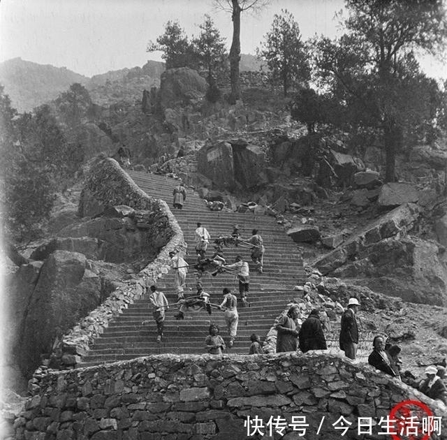 登山 百年前泰山老照片风景雄奇,小脚妇女徒步登山