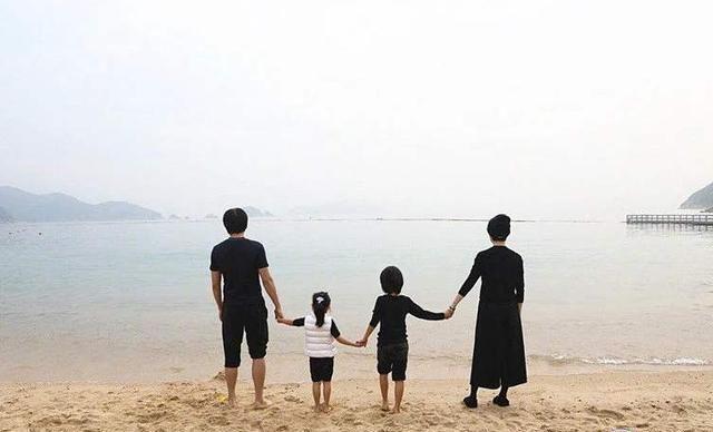 """""""儿女双全""""最幸福?20年后见分晓,一儿一女的家庭后悔了"""