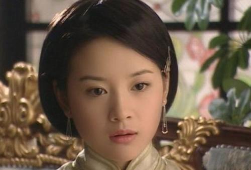 39歲董潔美人遲暮,可15年前的董潔比劉亦菲還美,能演13歲