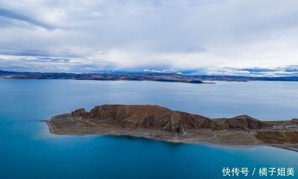 """中国最接近""""天堂""""的湖,不仅深邃迷人,美得更像仙境"""