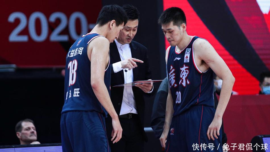 愧對頂薪!遼粵對決他僅得12+4,本賽季狀態下滑考驗杜鋒耐心
