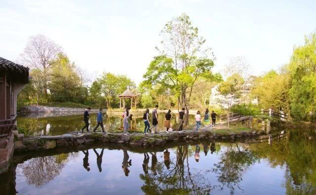 徽州千年古村,被譽為「中國水口園林第一村」,知道的遊人卻不多