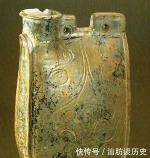 银釉鸡冠壶