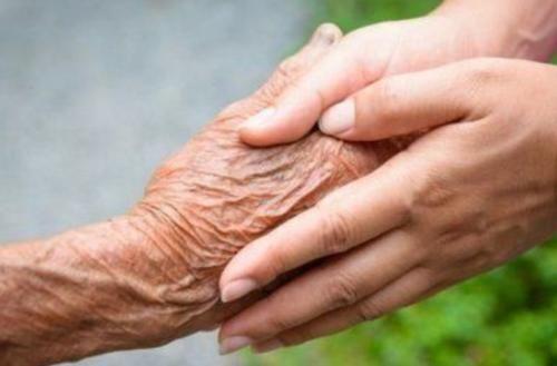 """""""长寿""""不是多喝水,也不是多走路,而是常做5事,有助延长寿命"""