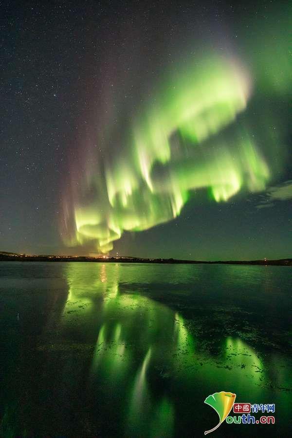 芬兰现极光美景 色彩斑斓如梦如幻