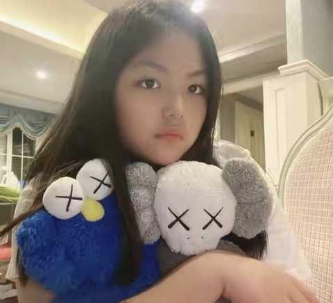 12歲王詩齡曬近照,小美女初長成好驚艷,透露今年要上初一瞭!