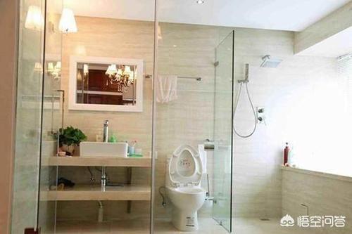 浴室玻璃门的水迹怎么清洁?
