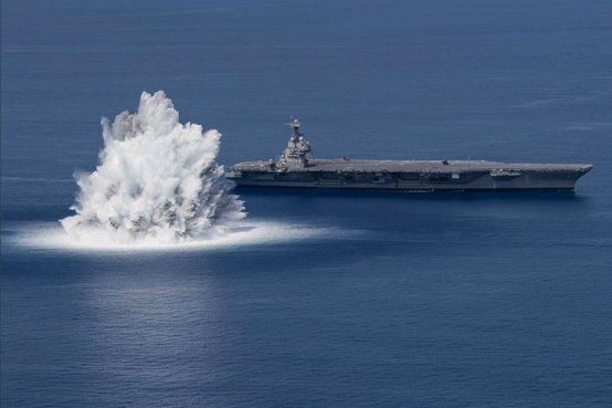 """美最新""""福特""""號航母開始全艦沖擊試驗,美媒:30年來首次進行類似測試"""