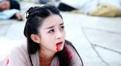 九个女演员吐血画面,刘亦菲不愧是仙女,袁姗姗这是来搞笑的吧