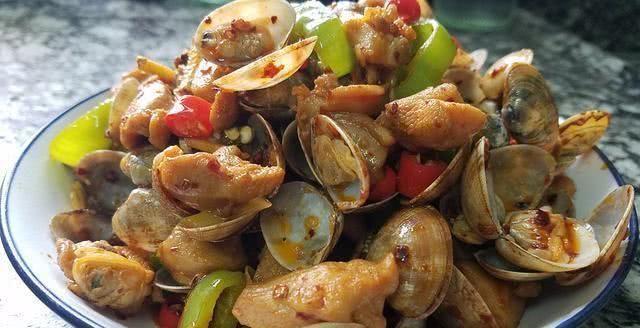 花甲炒雞肉,好吃又下飯的一道家常菜,做法簡單,我家常做