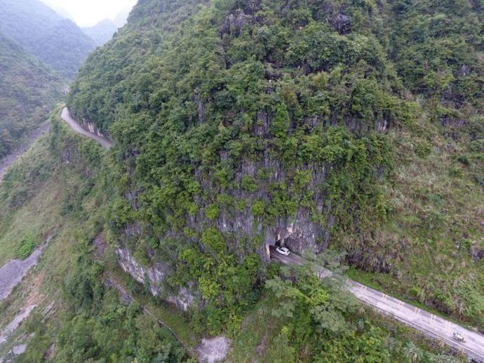 这,就是中国人修的路!