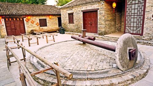 广西一座千年古镇,古香古色游客不多,还有不少特色美食