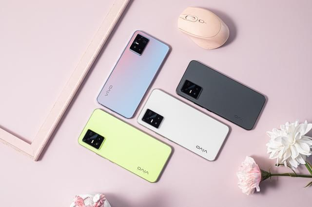 安卓 VIVO S10不主打性价比,更适合女性自拍的手机!